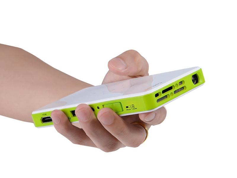Pocket q6 qj dlp projector for iphone ipad android phone for Micro projector for ipad